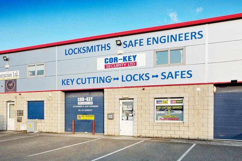 key-cutting-locks-safes